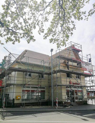 Zinshaus Holzhausen: Händelstraße 1, Leipzig - Mai 2021: Baustellenbesuch mit Dachaufstieg
